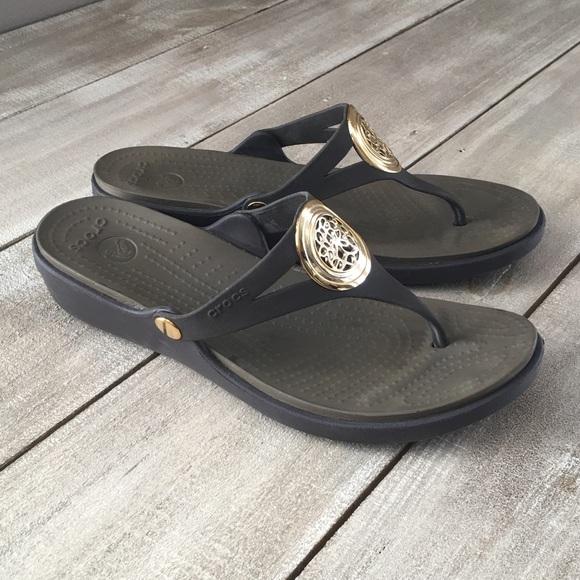 4edaa4cb31e8 CROCS Shoes - Crocs Brown Summer Medallion Thong Sandals
